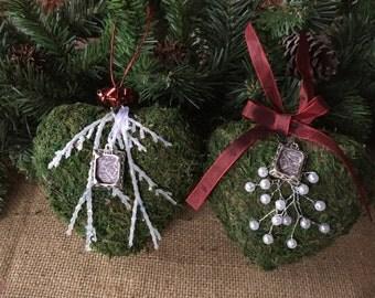 Moss Christmas hearts/ Christmas ornaments/ moss hearts/ moss ornaments/ rustic ornaments/ woodland ornaments/ rustic Christmas/ woodland
