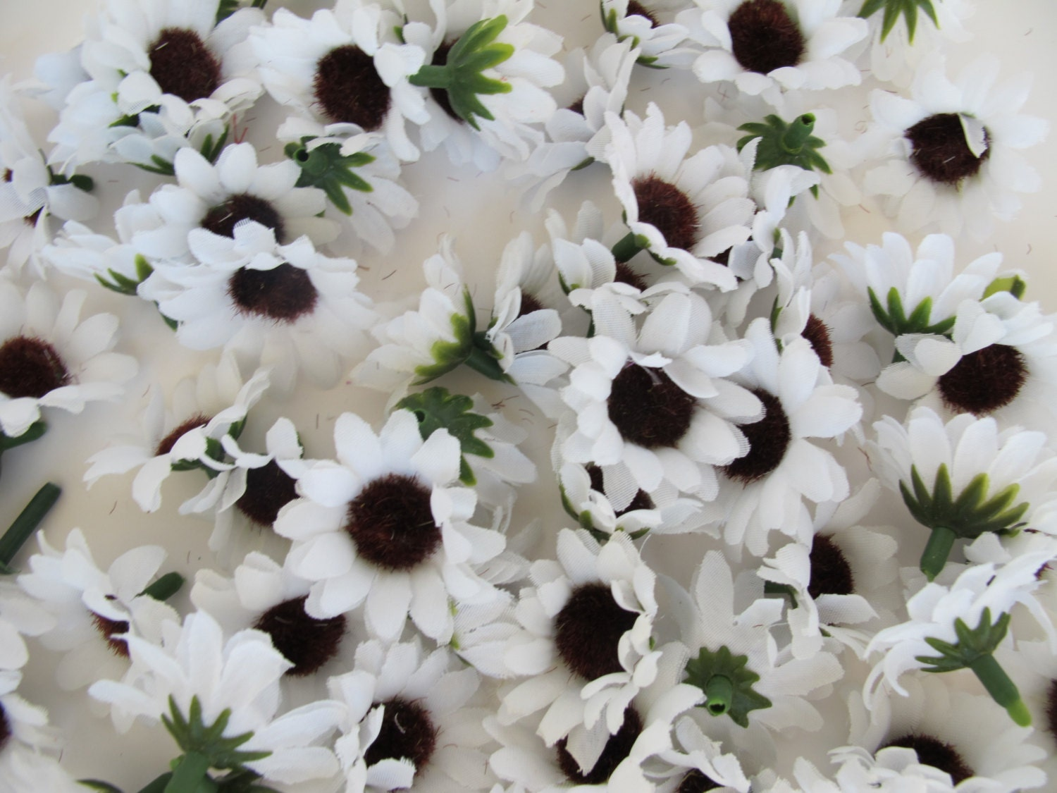 Lot of 60 Artificial Daisies Sunflowers Silk Flowers Little White ...