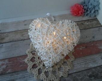 White heart rattan style small light