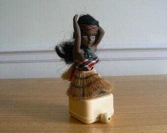 Beautiful 1960s - 70s Maori Musical Ornament - Plays Pokarekare.