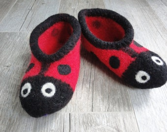 Kids felted Ladybug Slippers, woll house shoes