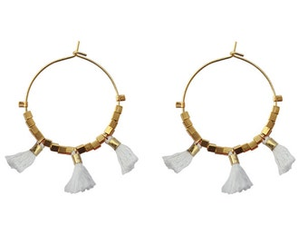 "Earrings "" Pola "" gold plated, tassels white"