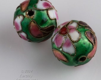 Vintage emerald green cloisonné  rounds. 20mm. Sold individually. b2-573(e)