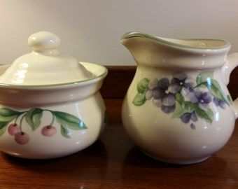 Cream and Sugar Set Pfaltzgraff  with Lid in Garden Party Pattern Vintage