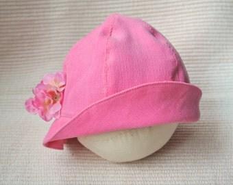 Newborn cloche hat photo prop, pink