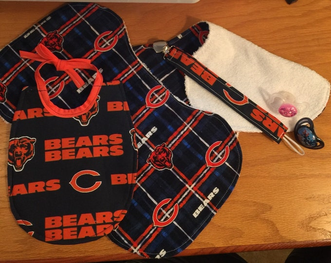 Baby Bib Chicago Bears Gift Set: Baby Bib, Burp Cloths and Pacifier Clip