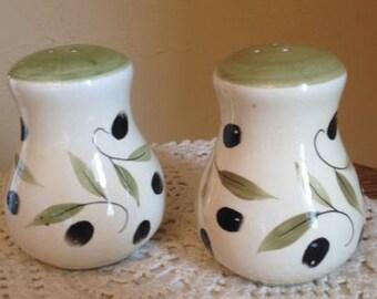 White Ceramic Black Olive Pattern Salt & Pepper Shaker Set