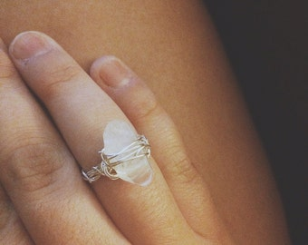 messy wired ring.