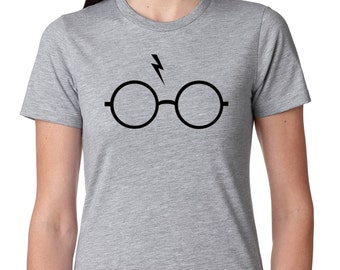 "Harry Potter ""Glasses and Lightning Bolt"" Hogwarts Quidditch Womens T-Shirt Jr. Size"
