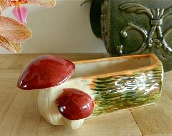 Petite jardinière champignon en porcelaine signée Nagel Paris