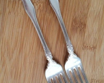 "Antique Collectible 1835 R WALLACE 1899 ANJOU Dinner Fork 7"", Set of 2"