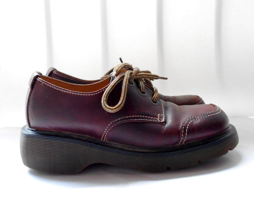uk sz 4 us sz 6 vintage dr martens laced shoes haute juice. Black Bedroom Furniture Sets. Home Design Ideas