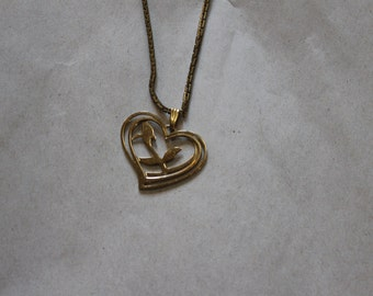 Pendant Necklace, Heart Shaped, Nice Gold Chain, Good Clasp, Flower Inside The Heart, Beautiful, Fashion Accessory, Pendant is 1.25 Inches