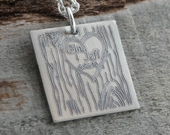 Tree Carving Lovers Personalized Necklace - Engraved