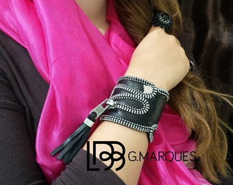 Black Night Zipper Leather Cuff
