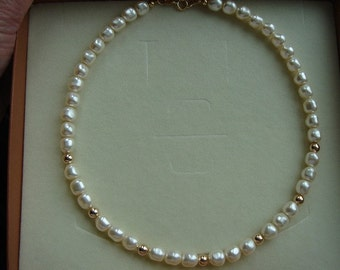Necklace in gold 585 (14 K) with cultured pearls in cream!