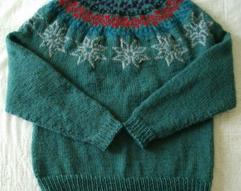 Green Knit Wool Sweater with Snowflake Pattern