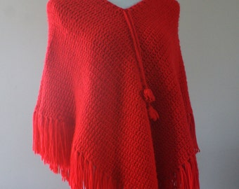 Bright Red Hippie Boho 70's/80's Vintage Knit Poncho One Size M-593