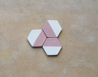 Hexagon magnets set of 3 - Geometric fridge magnets - Minimalist magnet set - Handmade kitchen decor - Minimalist kitchen decoration - Clay