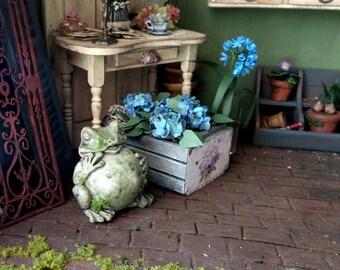 Animal frog mossy decoration garden scale 1:12 Dollhouse