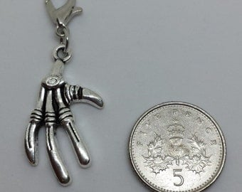 Clip on charm - Alien Hand - perfect for keyrings, crafts, bracelets, jewellery making and more (QUANTITY: 1)