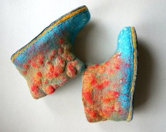 Women felted boots Red/Blue felted boots Handmade shoes Natural wool slippers