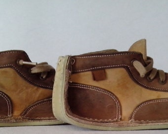 1970s Jumping Jacks  req'd  BY Vaisey Shoes / Ankle Boots  Suede Two Tone Light Brown and  Beige