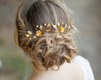 Gold flowers wedding hair pins Flower bridal hair pins Gold wedding headpiece Gold bridal headpiece Gold wedding hair accessory