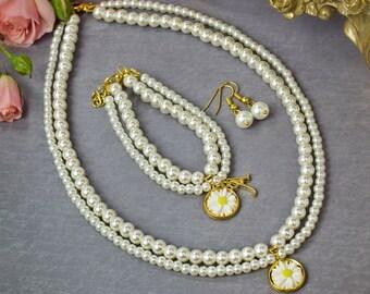 personalized flower girl gift, flower girl jewelry set, personalized childrens jewelry, pearl flower girl necklace, junior bridesmaid gift