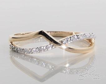 Tender Diamond Ring 18K Yellow Gold Ring Ladies Diamond Ring Gold Diamond Ring Delicate Ladies Diamond Ring Solid Gold Tiny Diamond Ring