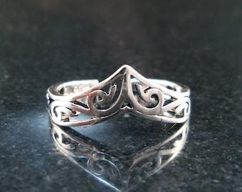 tiara Toe Ring - Sterling silver