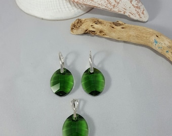 Beautiful Swarovski Elements sterling Silver green leaves Earrings and pendant