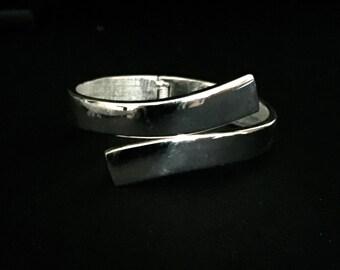 Vintage Silver Tone Wrap Bracelet                VG1930