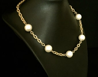 60's Pearl and Gold Necklace and Brooch                 VG1930