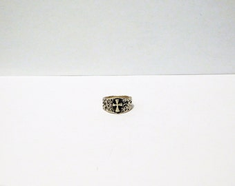 Free Shipping James Avery  Sterling 7.5 Textured Raised Crosslet Ring.
