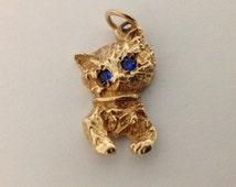 10k yellow Gold Kitten / Cat Charm / Pendant with Blue Stone Eyes