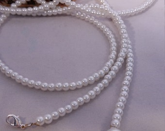 Long pearl necklace for multiple use