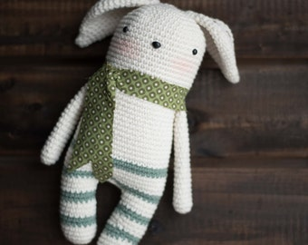 Amigurumi or crocheted Gudule snowman