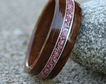 Bentwood Ring - Chechen w/ Lilac German Glass and Silver Wire Inlay