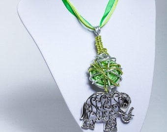 A lovely necklace with a elephant