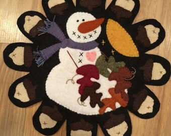 Snowpennies Wool Mat of the Month (October)