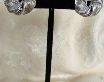 VINTAGE LISNER Earrings Silver Swirl Leaf Earrings 1950s Estate Jewelry - FREE Shipping