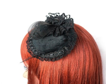 Gothic headpiece with velvet and Crystal