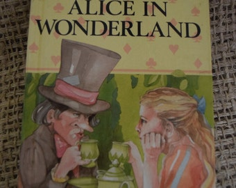 Alice in Wonderland. Lewis Carroll. A Ladybird Children's Classic.