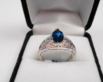 London Blue Topaz Marquise in White Gold Filigree Ring