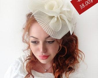 "Ivory Fascinator - ""France"" Ivory Wedding Fascinator Hat, Tea Party Fascinator Hat - Kentucky Derby Fascinator - British Fascinator"