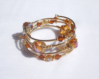 Amber glass and gold memory wire bracelet