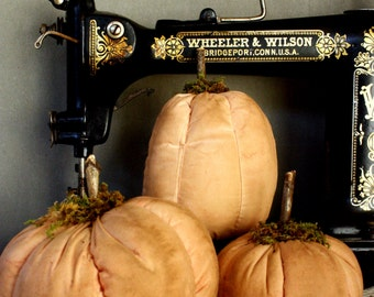 Pumpkins~Primitive pumpkins for Fall and Halloween!  Set of Three~Handmade