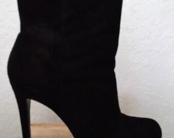 Pour la Victoire Black Suede BARDOT Platform Booties Ankle Boots Size 9