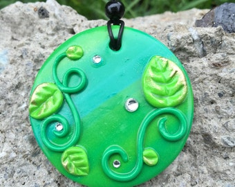 """Trailer """"Fairyleaf 1"""" in green and turquoise with Swarovsky crystals"""